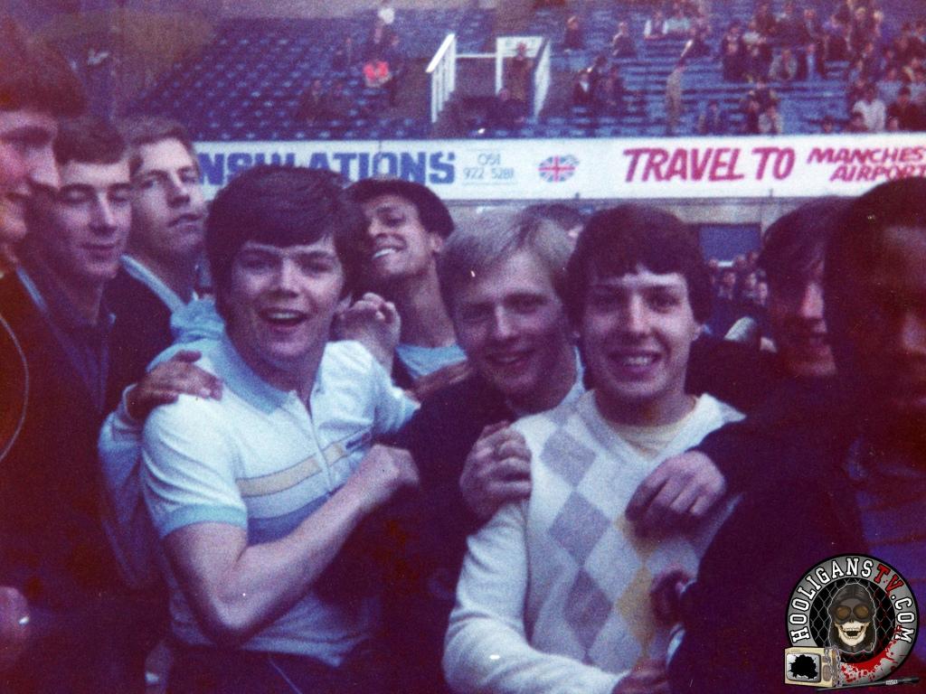 Tottenham hotspur fans singing celebrity